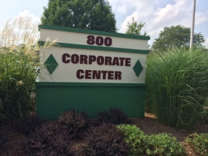 photo of 800 Corporate Center signage